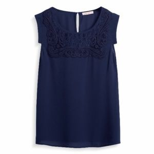 Skies are Blue Frankie Lace Detail Blouse - NAVY